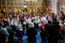 vladilas-2018-12-25-mos-craciun-biserica-bucsoaia-foto-0005